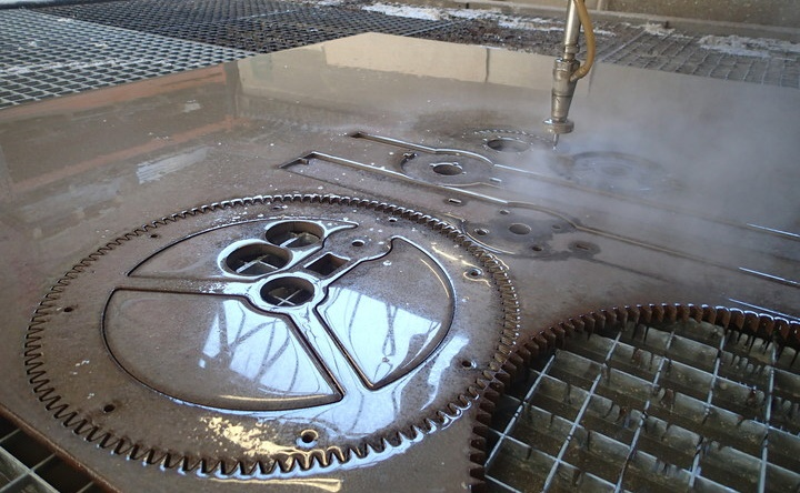 cat tia nuoc thep tam-Waterjet cutting steel CNCVina