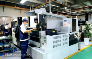 may cat day EDM wire cutting machine CNC-VINA